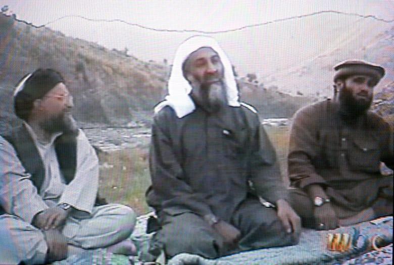 أمريكا تبحث عن نجل أسامة بن لادن.. تحدد مكافأة وتبين الأسباب
