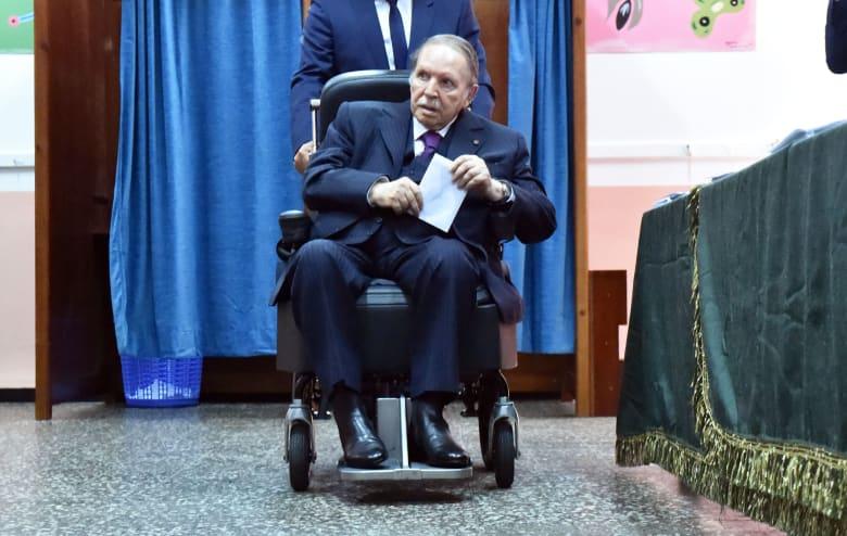 بوتفليقة يعينه مديرا لحملته بانتخابات الجزائر خلفا لسلال.. من هو عبدالغاني زعلان؟
