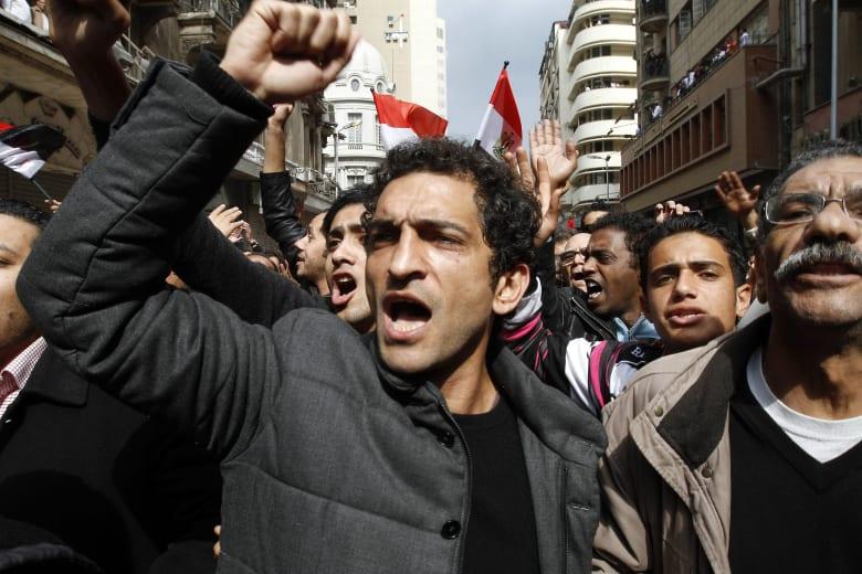 ممثل مصري: القضاء العسكري حكم علي بالسجن.. ورفضوا تجديد جواز سفري