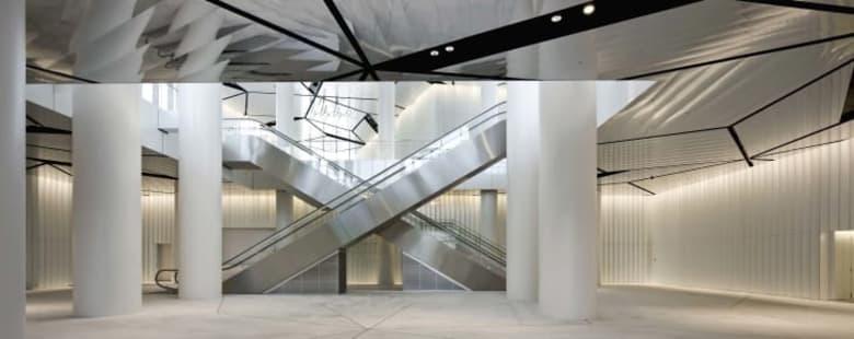 """تعرف إلى المهندس المعماري الأسيوي الذي فاز بجائزة """"نوبل الهندسة"""""""