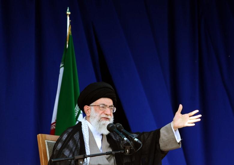 """خامنئي يتحدث عن """"شعور"""" الشعوب العربية والإسلامية تجاه إيران: لا يريدون إشاعتها"""