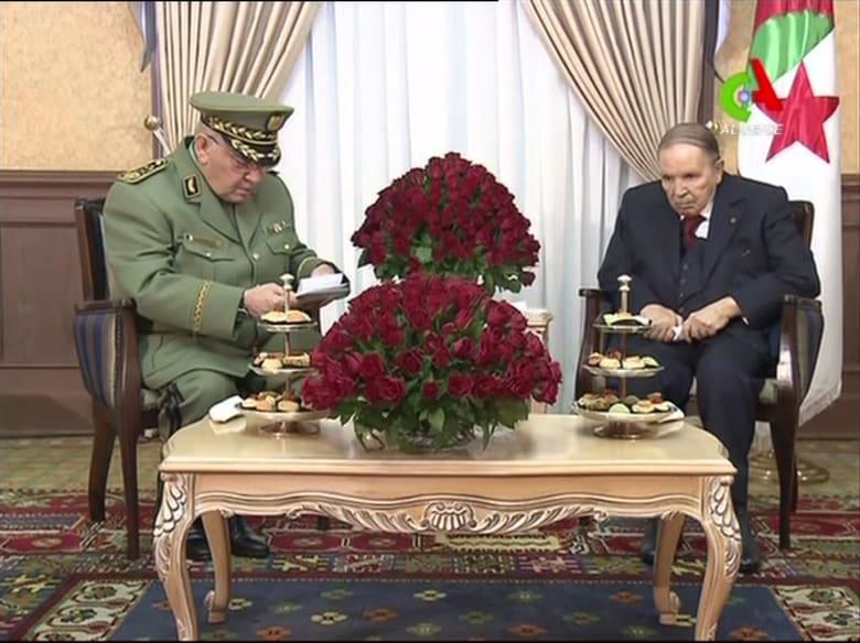 """المعارضة: قرار بوتفليقة """"غير دستوري"""".. والجيش: أمن الشعب أولوية"""