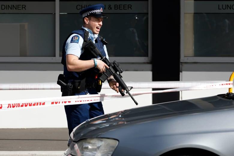 """قيادي بـ""""علماء المسلمين"""" بعد هجوم نيوزيلندا: لماذا لم نسمع عن اعتقال إرهابي مسلم بل يقتل بساحة الجريمة؟"""