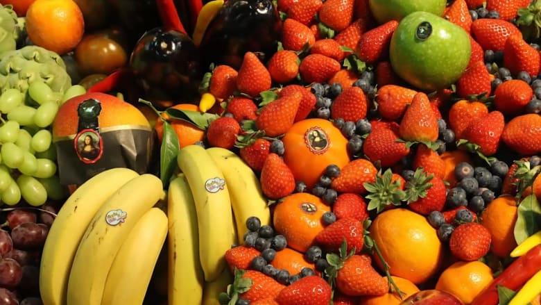 بينها الفراولة والسبانخ والتفاح..ما هي أنواع الخضار والفاكهة الأكثر تلوثاً؟