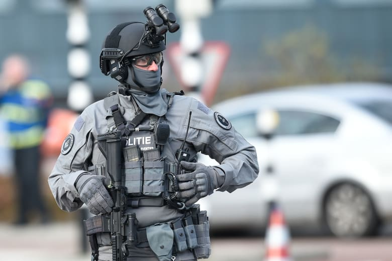 """هولندا تقبض على المشتبه به في """"حادث أوترخت"""" وتخفض حالة """"الخطر"""""""