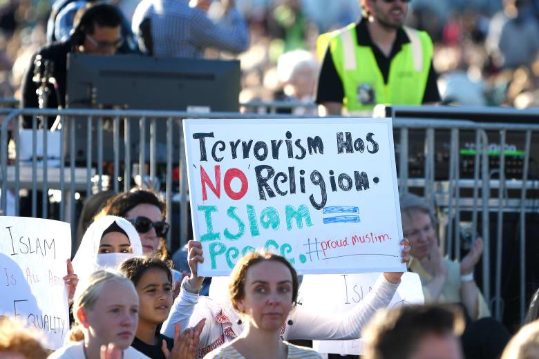 داعش يرفض تشبيه مذبحة المسجدين في نيوزيلندا بأفعاله.. ويدعو للانتقام