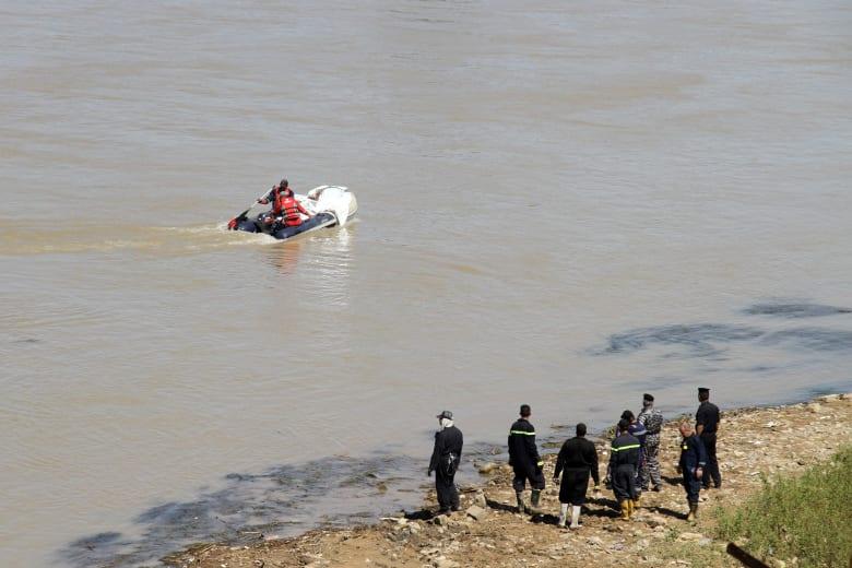 العراق: عشرات القتلى إثر غرق عبارة في نهر دجلة