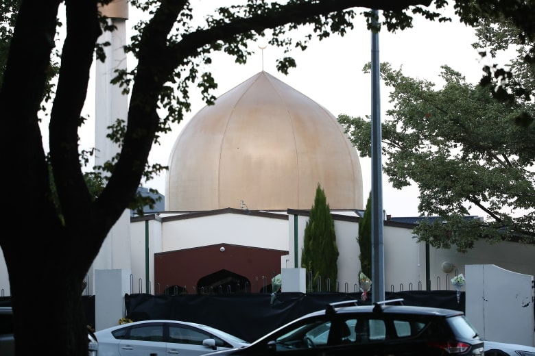 إمام مسجد النور بنيوزيلندا عن المهاجم: رأيت الكراهية والغضب بعينيه