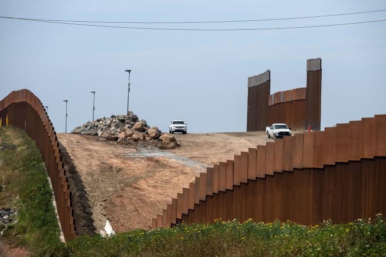 أمريكا: البدء بعمليات البحث عن مواقع لبناء الجدار مع المكسيك