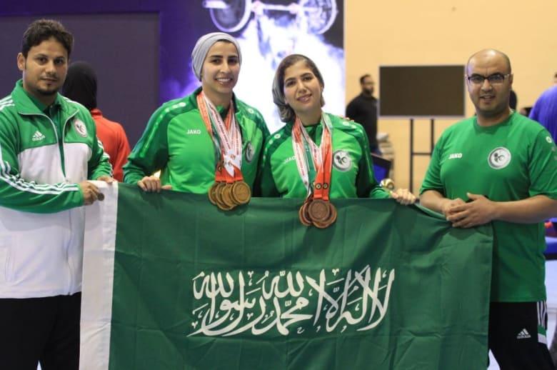 سعوديتان تحصدان 12 ميدالية بأول مشاركة نسائية سعودية في رفع الأثقال