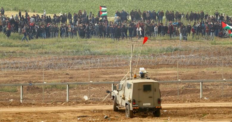 إسرائيل تنشر فيديو وصور من مظاهرات غزة: يقولون سلميه.. ومهدي حسن يعلق