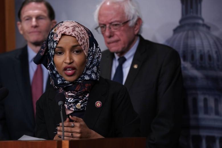 النائب الأمريكية المسلمة إلهان عمر تحدد موقفها من قرار قطع دعم السعودية في اليمن