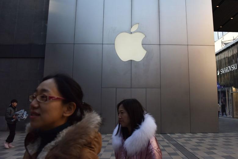 """""""ماركات"""" شهيرة من بينها """"آبل"""" تخفض أسعار منتجاتها بالصين.. لماذا؟"""