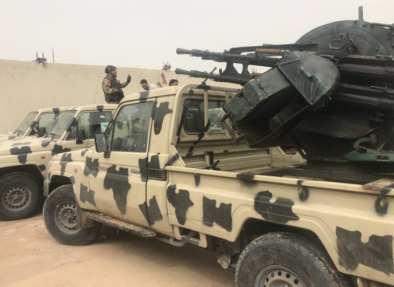 """قوات حفتر تعلن سيطرتها على مطار طرابلس """"المدمر"""": لن نتوقف حتى إنجاز المهمة"""