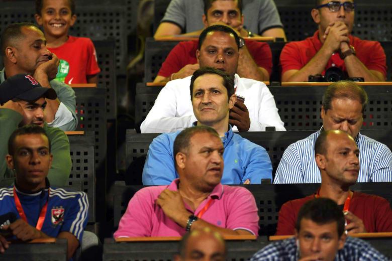 علاء مبارك يعلق على خسارة الأهلي.. ويكشف عن الفريق الذي يشجعه