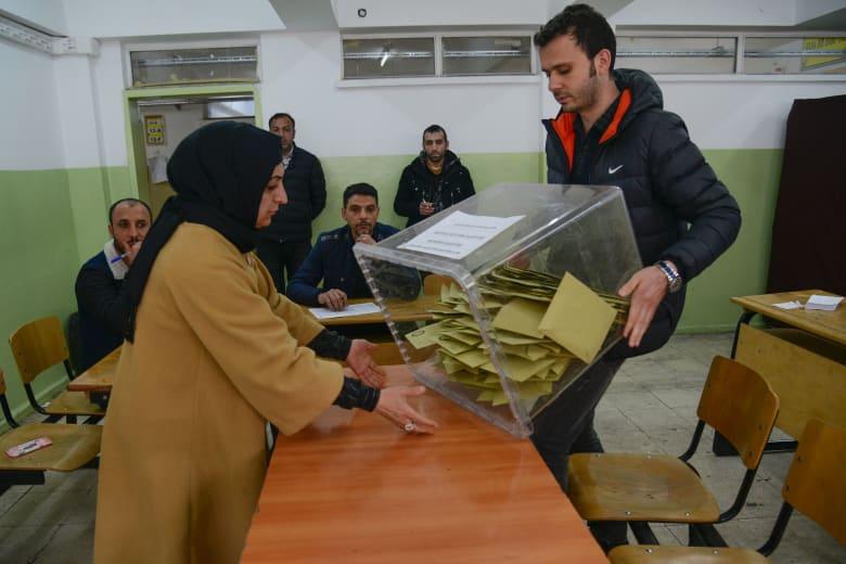 حزب أردوغان يطالب بإعادة فرز جميع الأصوات بالانتخابات المحلية في إسطنبول