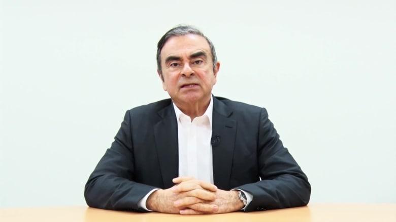 """كارلوس غضن يتهم مدراء نيسان بـ""""طعنه في الظهر"""" في فيديو مسجل قبل سجنه"""