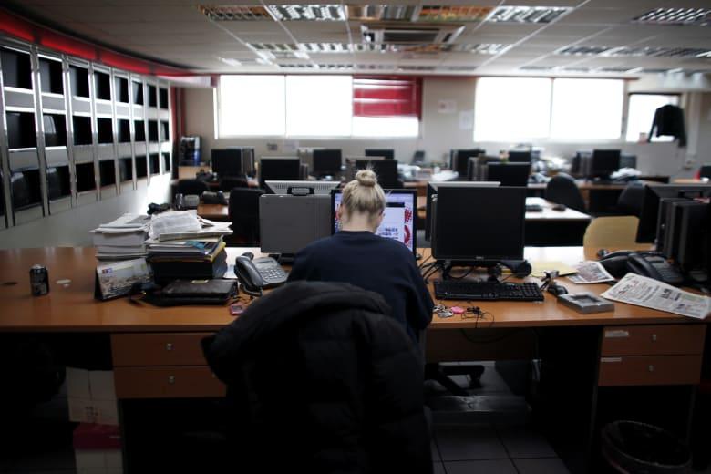 هل يشعر الموظفون بالرضا عن التوازن بين حياتهم المهنية والشخصية؟