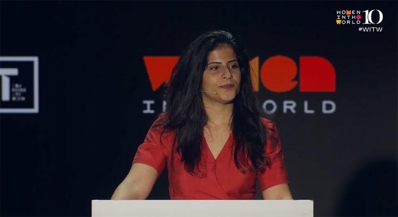 """ماذا قالت لينا شقيقة السعودية لجين الهذلول بمؤتمر """"نساء من العالم"""""""