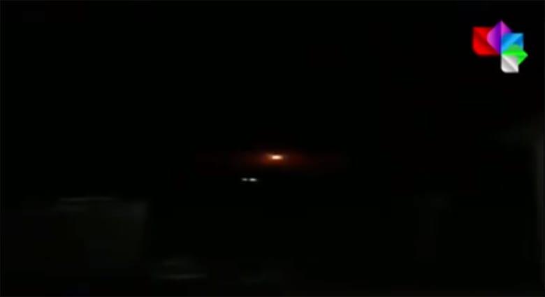 """مصدر سوري: دفاعاتنا تصدت لغارة """"إسرائيلية"""" فجر السبت.. وتنشر فيديو"""