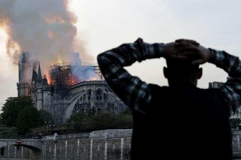 أول تعليق من زعيم عربي على حريق كاتدرائية نوتردام.. فماذا قال السيسي؟