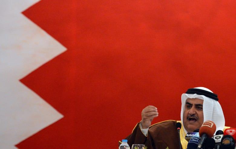 """ماذا قال وزير خارجية البحرين عمن """"يسب الشيعة""""؟"""