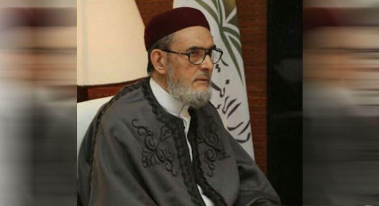 """دعا للحج والعمرة مرة واحدة """"لمنع رفد السعودية بالمال""""..  كيف رد مغردون على مفتي ليبيا؟"""