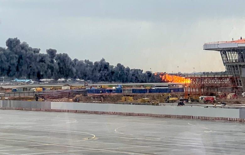 حريق الطائرة الروسية يخلف 41 قتيلا على الأقل