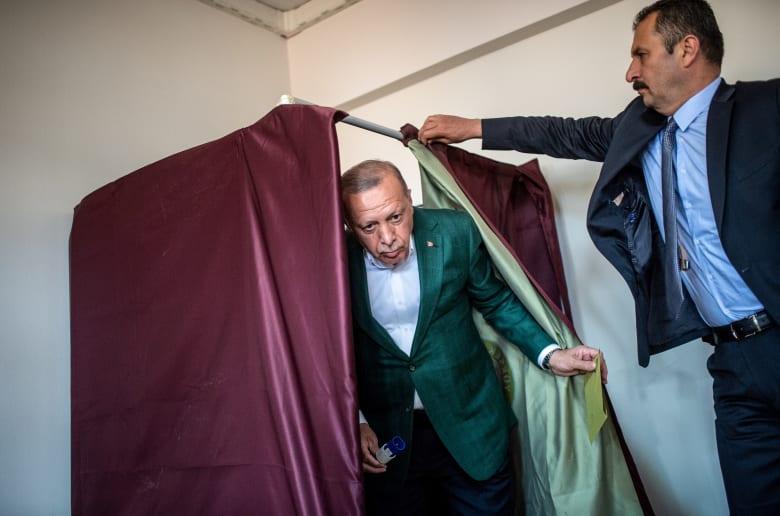 تلبية لاعتراض حزب أردوغان.. اللجنة العليا توافق على إعادة الانتخابات البلدية في إسطنبول