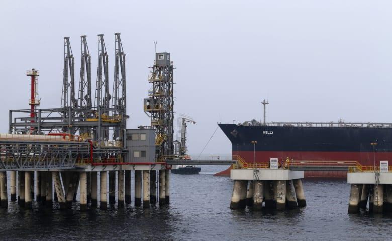 """أعمال """"تخريبية"""" تستهدف 4 سفن في المياه الاقتصادية الإماراتية قرب الفجيرة"""