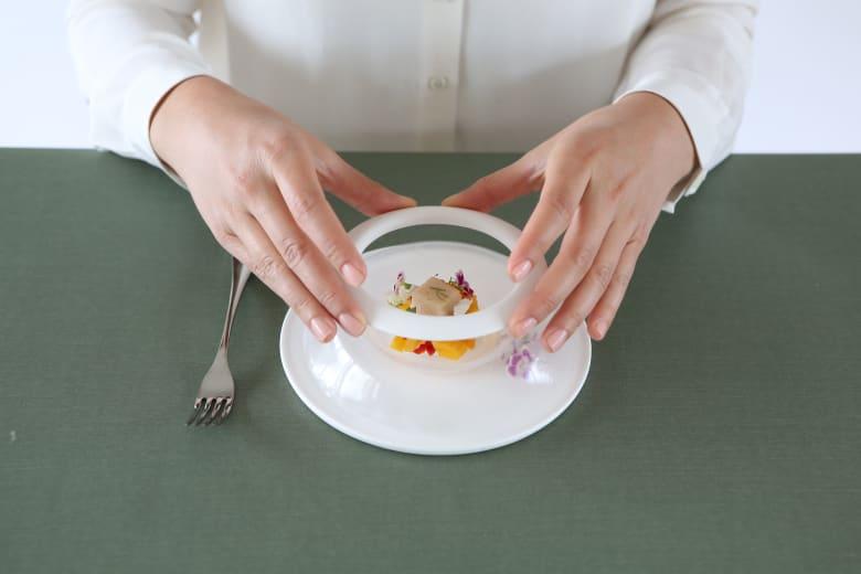 صحون مطاطية تتموج عند لمسها.. كيف ستغير طريقة تناولنا للطعام؟
