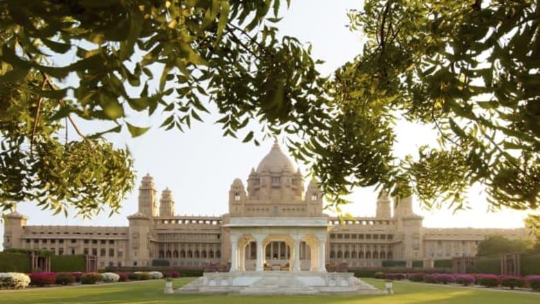 عش حياة المهراجا ليوم في هذا القصر الهندي الذي تحول إلى فندق