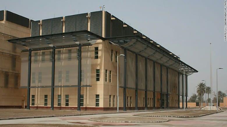 مسؤول أمريكي يكشف لـCNN سبب الإغلاق المفاجئ للسفارة في العراق الخميس