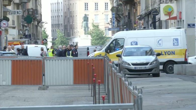 """النيابة الفرنسية تعلن أنها تحقق في انفجار ليون كـ""""هجوم إرهابي"""""""