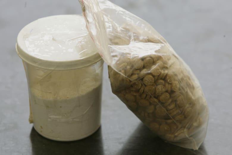 توقيف سعودي يحمل 10 كغ من الكبتاغون أثناء مغادرته لبنان