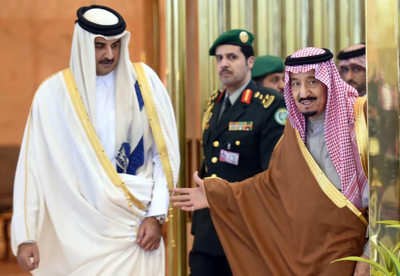 """أمير قطر يتلقى دعوة من العاهل السعودي لحضور """"قمة مكة"""""""