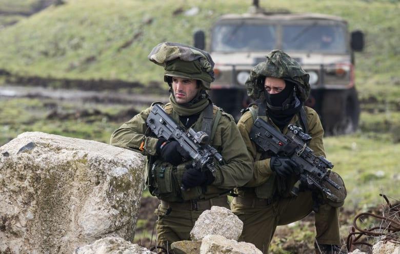 الجيش الإسرائيلي يعلن استهداف مضادات أرضية سورية