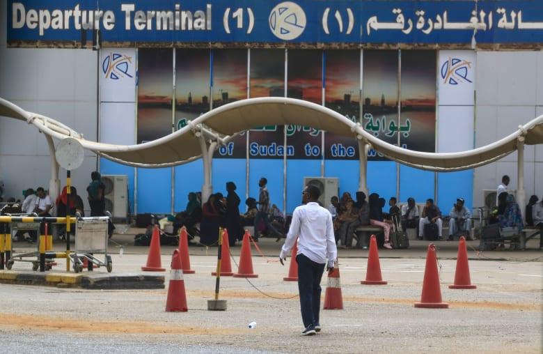 في أول أيام الإضراب.. الخطوط الجوية السودانية تلغي رحلات داخلية وخارجية