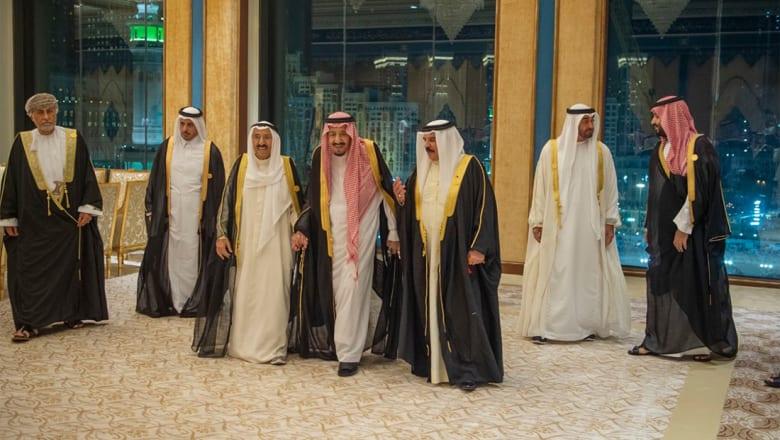 """الملك سلمان يطالب بموقف رادع لأنشطة إيران.. ويؤكد الحرص على تجنيب المنطقة """"ويلات الحروب"""""""