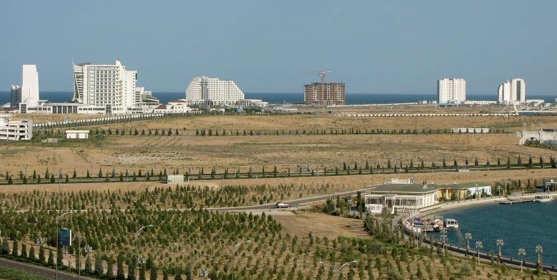 بعد معركة قانونية استمرت لعقود.. بحر قزوين يفتتح للسياحة