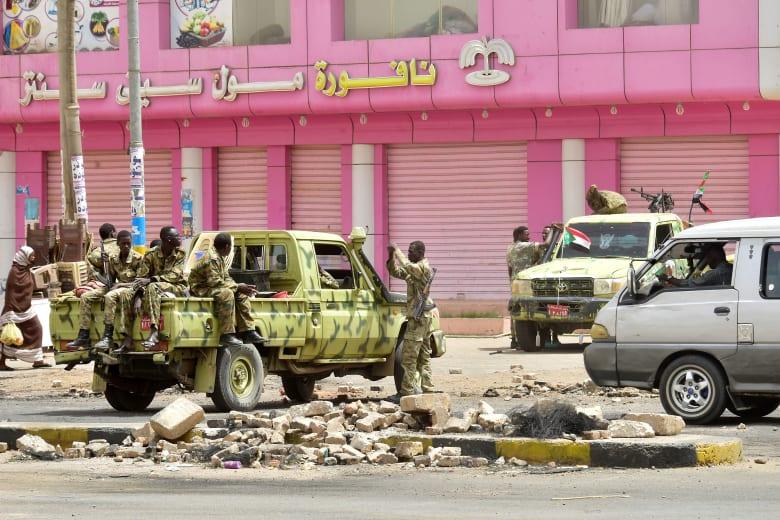 قوات أمنية في السودان