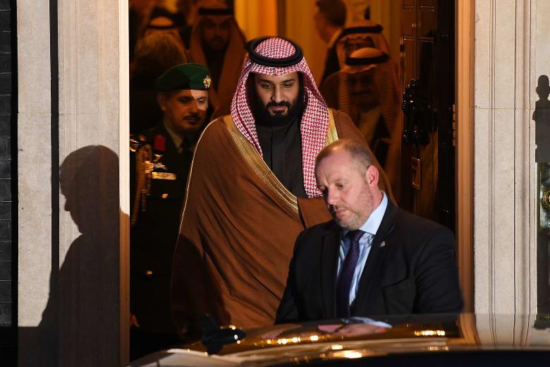 كيف كانت الردود على حوار ولي عهد السعودية محمد بن سلمان وتطرقه لملفات حساسة؟