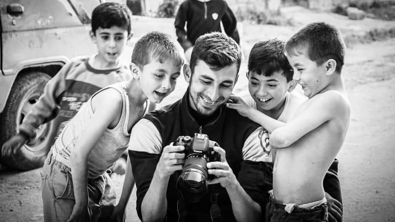 أنس دياب.. أراد إظهار الجحيم في سوريا للعالم فدفع حياته ثمناً لذلك