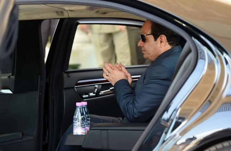 """بعد حديث السيسي عن بناء القصور الرئاسية """"من أجل مصر"""".. إعلامي يقارن بـ""""قصر أردوغان"""""""