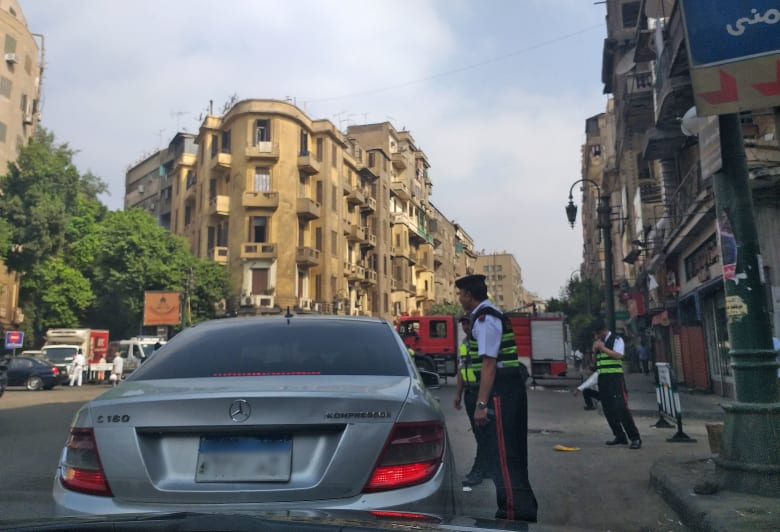 بالصور.. السيسي يصل مصر.. إغلاق الطرق المؤدية إلى ميدان التحرير.. ونائب يغرد عن 8 توقعات الجمعة