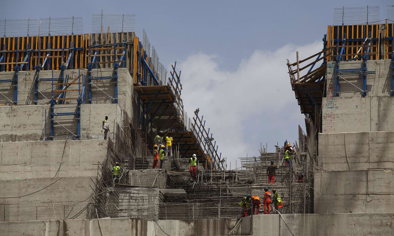 صورة أرشيفية لأعمال البناء في سد النهضة الإثيوبي في مارس 2015