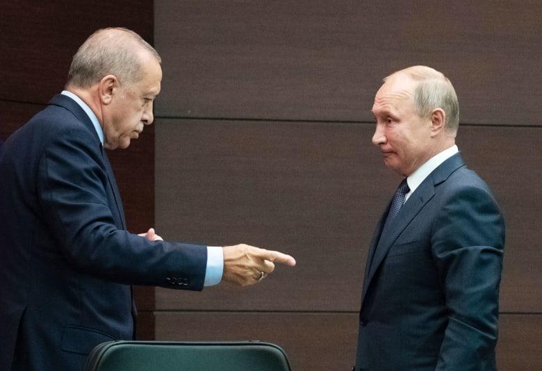 """بوتين يطالب أردوغان بـ""""الحذر"""" في ظل الإعلان عن بدء عملية """"نبع السلام"""" في سوريا"""