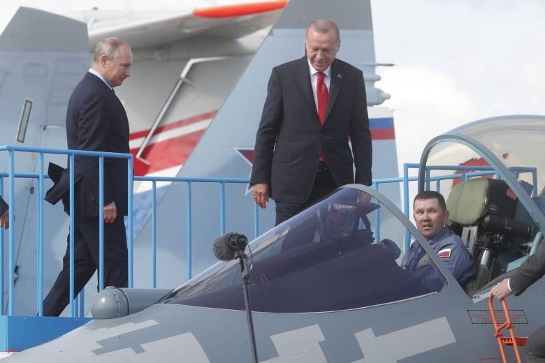 بوتين: لست متأكدًا من قدرة تركيا على السيطرة على مقاتلي داعش بشمال سوريا