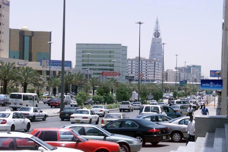 """إسرائيل تنشر فيديو للمواطن السعودي سالم الراشد وتحية """"شابات شالوم"""""""