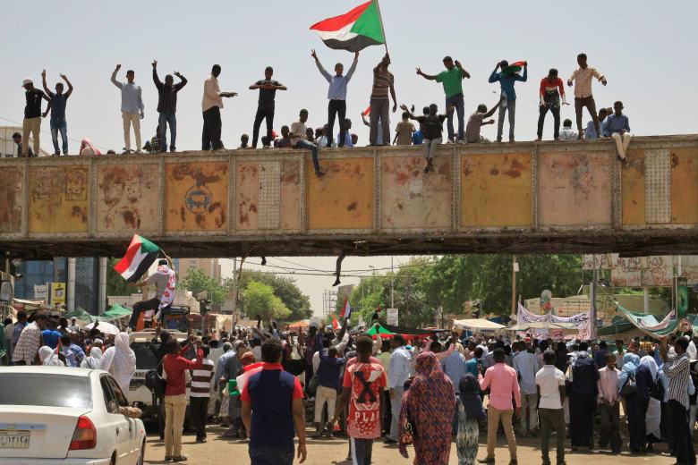 """""""المجلس السيادي"""" يصدر مرسومًا بوقف إطلاق النار في السودان"""
